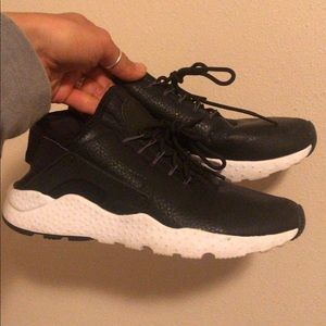 Womens Nike Leather Huarache Air